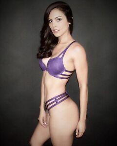 Autographed Raquel Pomplun 8x10 And Purple Bra