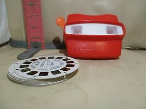 VIEWMASTER VIEWER WITH ASSORTED REELS - WORKS FINE!