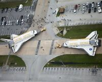 SPACE SHUTTLES DISCOVERY & ENDEAVOUR TOGETHER ON TARMAC 8X10 NASA PHOTO (EP-879)
