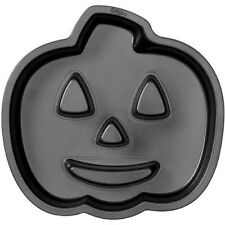 Jack O Lantern w/flutes Non-Stick Cake Pan from Wilton 0679 NEW