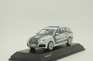 RARE ! NEW Audi Q7 Dubai Police Custom Made 1/43