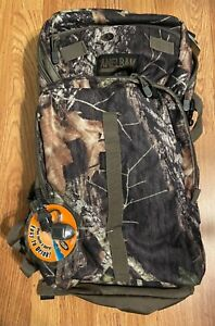 Hunting Backpack/ Hydration Pack Camelbak Commander in Mossy Oak. Hard to find!!