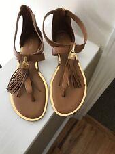 Michael Kors Winslow Flat Sandals Acorn leather Gladiator lock tassel tstrap 6.5