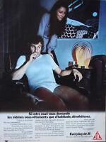 PUBLICITÉ DE PRESSE 1970 EVERYDAY DE JIL LES SOUS-VÊTEMENTS DES MARIES GÂTÉS .