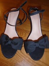 BNWT ladies M&S black strappy shoes/sandals. Kitten heel. Sz 7. RRP £25    (2/1)
