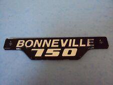 GENUINE TRIUMPH 750 BONNEVILLE SIDE PANEL BADGE  SILVER 83-7361 1979-83 T140E