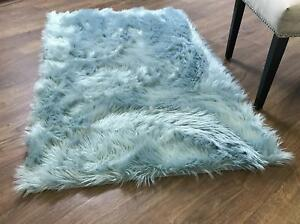 Super Area Rugs Faux Fur Sheepskin Shag Solid Area Rug in Teal