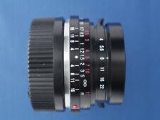 Voigtländer 25mm f/4 Color Skopar Lens In Leica M Mount C/W Caps & Hood