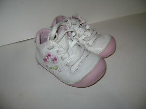 STRIDE RITE ALISON TODDLER GIRLS SHOES SNEAKERS size 3.5 M WHITE FLOWER LEATHER
