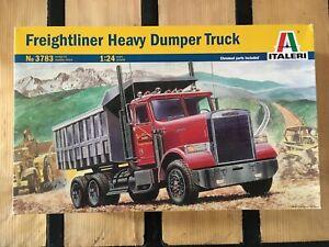 ITALERI 3783 Freightliner Heavy Dumper Truck 1/24 Maquette Camion