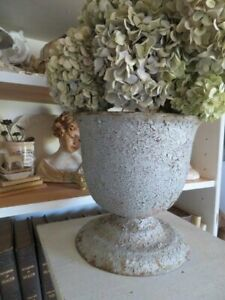 AMAZING Old Antique Cast Iron METAL Garden URN PLANTER Great Size Awesome Look