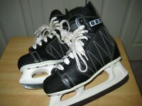 CCM Powerline 60 Youth size 4 Ice Hockey Skates