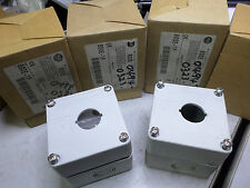 ALLEN BRADLEY - Bulk Lot of 4 - Single Hole 22.5mm boxes. ABS Plastic - 800E-1P