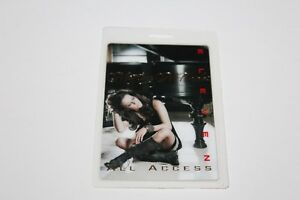 Martina McBride - Laminated Backstage Pass -  Lot # 2 - FREE POSTAGE