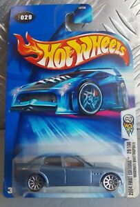 Hot Wheels 2004 - Maserati Quattroporte VHTF NEAR MINT  *12 CARS POSTED FOR $10*