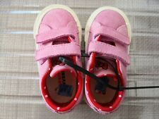 Nwot Kids Converse x Hello Kitty One Star 2V Low Top Uk Size 6 Infant Shoe
