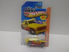 2013 Hot Wheels Stunt Fig Rig Yellow 80/250