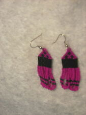 Seed Beaded Earrings NEW   black Hot  pink  looped Hand crafted 2/1/4 x 3/4""
