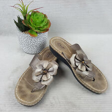 Clarks Bendables Women's Bronze Leather Floral Thong Sandals Sz 11 M Excellent