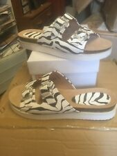 Comfy ladies  'Down to earth' size  5 Footbed animal print  comfy sandals size 5