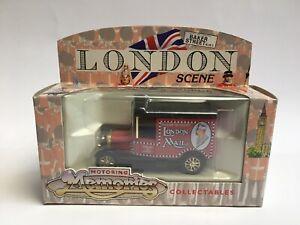 Corgi Motoring Memories London Scene Baker Street London Mail Metal Van 61202