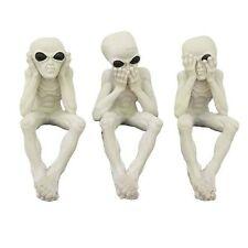 Three Wise Alien See Hear Speak No Evil  Figurine Statue Collection Glow in Dark