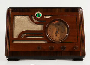 Old Antique Wood Silvertone Vintage Tube Radio - Restored & Working w/ Magic Eye