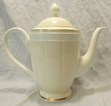 Villeroy & Boch Germany IVOIRE Chateau Collection 4 Cup Coffee Pot with Lid