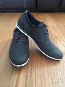 Men's Gray Casual Aldo Shoes Size 8. Retail $65.00