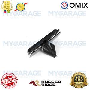 Omix-ADA For 07-18 Jeep Wrangler JK JKU Fender Flare/Rocker Molding Clip T-Sty.