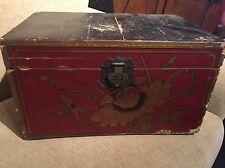 Antique Chinois Couverture Boîte. mariage tour de poitrine or rouge coffre dynastie Qing Oriental