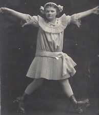 1910s RP POSTCARD YOUNG GIRL ROLLER SKATING & STRIKING UNIQUE POSE