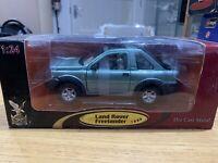 Road Signature  93024  1999 Land Rover Freelander - Metallic Green 1/24 Scale