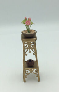 Dolls House Plant Table And Accessories