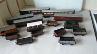 COLLECTION VINTAGE MODEL TRAIN CARRIAGES & WAGONS 0 VARIOUS MAKERS