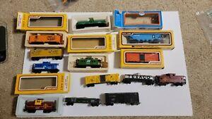 Ho scale Life Like Bachmann Train Cars 13 Lot
