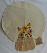 Round Yellow Daisy Floral & Basket doily candle mat primitive style RR-3219 NEW