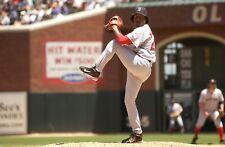 Pedro Martinez Boston Red Sox UNSIGNED 8x10 Photo (B)