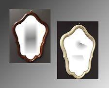 Deko-Spiegel im Antik-Stil aus Kunststoff