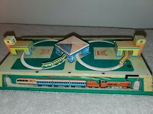 Working Vintage Schylling Wind-Up Tin Litho Russian Toy Train & Station