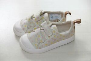 Clarks Doodles girls cream canvas trainers size 5.5/22 F RRP£22 New