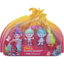 Dreamworks Trolls Poppy's Fashion Frenzy Poppy Satin Chenille Fuzzbert