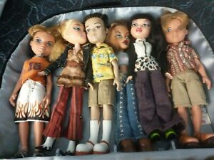 Lot of 6 Bratz Dolls Clothing Shoes Plus Case  nice condition~ 3 boys ~ 3 girls