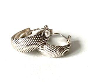 Solid Sterling Silver Ridged Texture Effect Hoop Loop Earrings - Threader Fasten