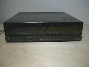 Sony EV-S700U Video8 VCR Video Cassette Recorder TESTED - READ - For Parts