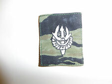 b3625s Vietnam Era LAOS Cap badge Tiger Stripe single ir12c