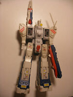 TAKATOKU 1985 robot MATCHBOX Robotech SDF-1 Battle Fortress Prometheus Macross