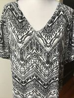 Catherines Women's 1X (18/20W) Black White Short Sleeve Lace Back Tunic Chic