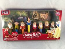 Snow White and the Seven Dwarfs Pez Dispenser & Book - NM Collectors Quality Box
