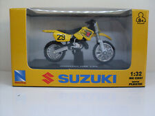 Suzuki RM 125, NewRay Dirt Bikes Motorcycle Model 1:3 2 (1)